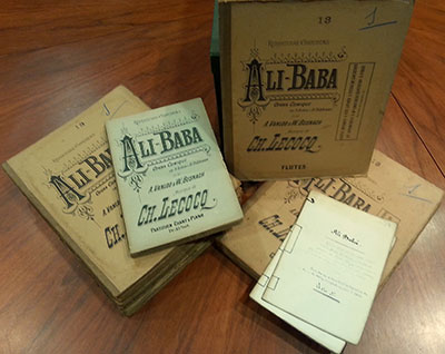 Orchestral materials, scores and and libretto for the zarzuela version of Alí Babá (Photo: SGAE Archive)