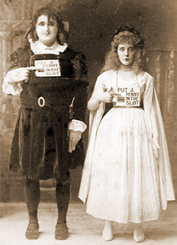 Harry Monkhouse as 'Bartolo' and Aida Jenoure as 'Nita' in The Mountebanks (1892)